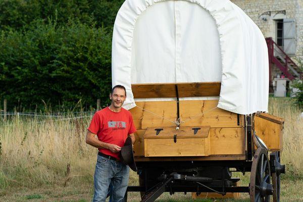 Stéphane Saelens a démissionné de son métier de comptable pour se lancer dans le tourisme insolite et écologique dans les Ardennes