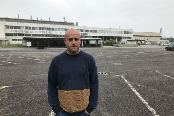 Maël Le Goff devant la Fonderie de Bretagne ce samedi 19 juin