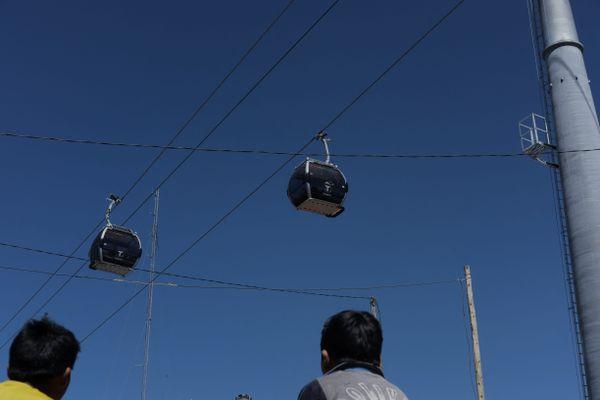 Photo d'illustration Ici, des télécabines qui évoluent sur un câble unique. A Toulouse, les ingénieurs ont opté pour un double câble à cause des vents fréquents