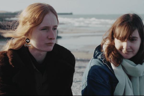 Julia et Gwénaëlle, deux lycéennes du lycée Ango, à Dieppe (76) racontent leur année de Terminale marquée par Parcoursup et l'épidémine de Covid-19.