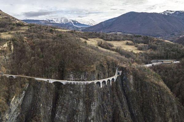 Les travaux de restauration du petit train de la Mure avancent à bon rythme.