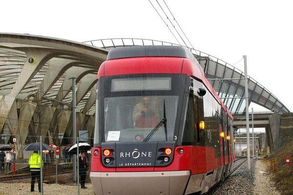 Relier Lyon Part-Dieu à l'aéroport Lyon Saint-Exupéry ... le service Rhônexpress s'adapte (photo archives)