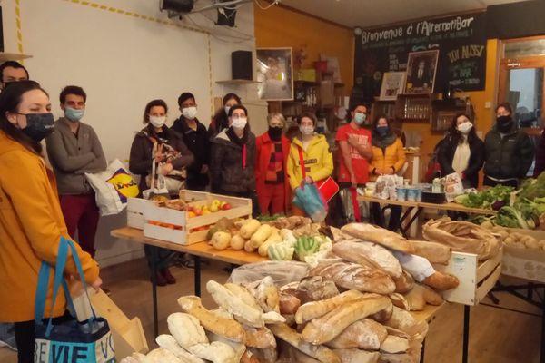 Chaque semaine, les récoltants récupèrent 300 kilois de nourriture bio consommable