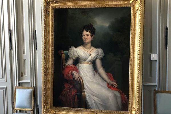 La comtesse de Moreton de Chabrillan s'expose au château de Digoine et nous convie à sa table.