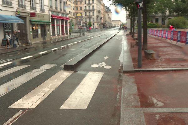 Sur la place Bellecour, une nonagénaire renversée par une trottinette électrique le 23 juin dernier