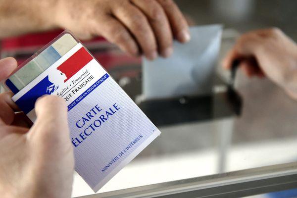 Pour pouvoir continuer à voter et ou être élus aux élections municipales, les Anglais installés en France doivent changer de nationalité.