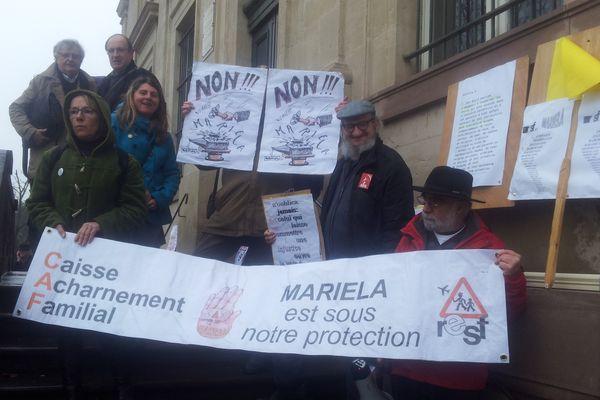 Rassemblement de soutien à la famille de Mariela le 4 février 2013
