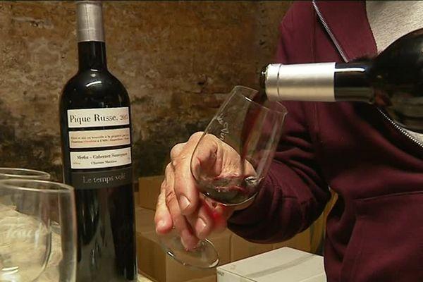 20 000 bouteilles de Pique Russe sont produites tous les ans à Gourvilette en Charente-Maritime.