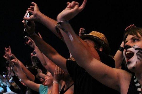 Les fans d'Indochine ont sans doute été les plus nombreux et les plus fervents au Main Square Festival 2013.