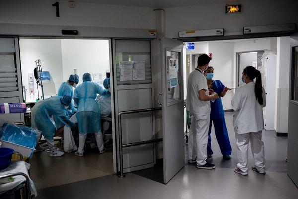 Illustration. Depuis septembre 2020, 115 personnes sont mortes du Covid-19 en Corse, selon l'ARS.