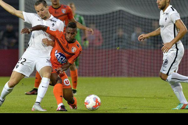 Ligue 2, le 11 septembre 2015, 6ème journée, match Laval-Metz, 0-1 Kevin Lejeune et César Zéoula