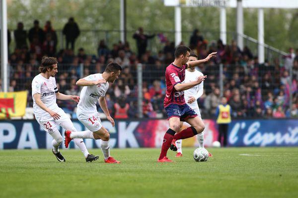 Le Nîmes Olympique s'est contenté d'un nul face à Clermont ce samedi au stade Gabriel Montpied à Clermont-Ferrand - 28 avril 2017
