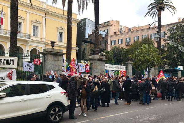 7e journée nationale de mobilisation contre la réforme des retraites. Vendredi 24 janvier, des manifestations se sont tenues à Ajaccio et Bastia à l'appel de l'intersyndicale.