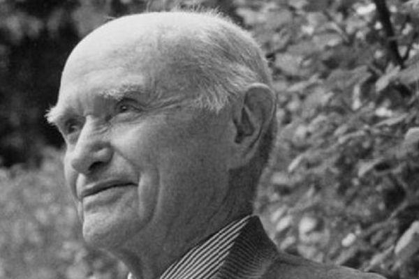 """Jean-Michel Guilcher, ethnologue breton, auteur de """"La Tradition populaire de danse en Basse-Bretagne"""""""
