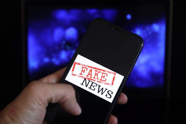 Suite aux mesures de couvre-feu, une infox circule sur les réseaux sociaux, incitant les Antibois dénoncer leurs voisins.