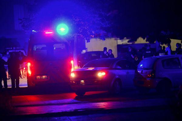 Les policiers recherchent des témoins qui pourraient aider à identifier les agresseurs. ILLUSTRATION