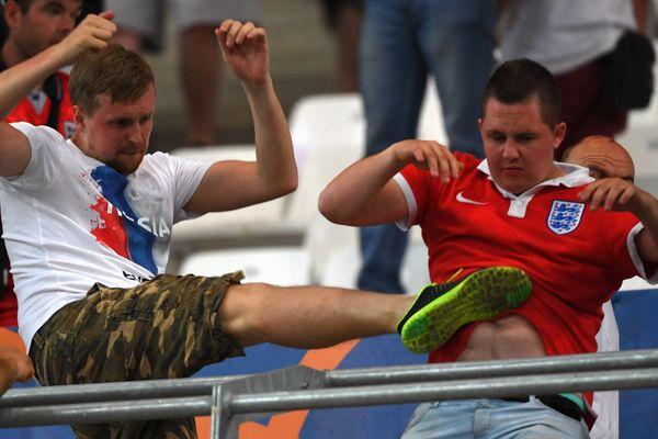 Londres se félicite qu'une enquête soit ouverte par l'UEFA en ce qui concerne les violences qui ont éclaté au sein du stade.