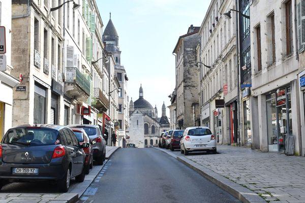 La rue Taillefer, vidée de ses passants.