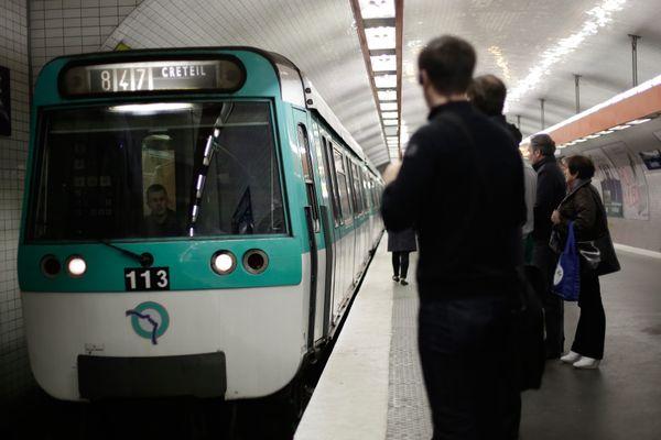 La ligne du 8 du métro parisien (illustration).