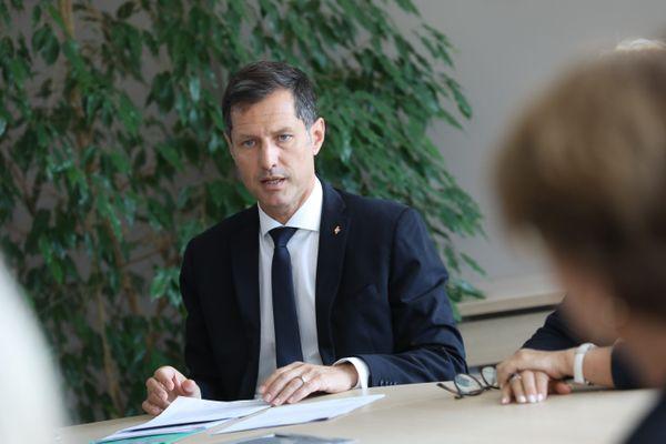 Le maire LR de Valence, Nicolas Daragon, a été la cible de tags injurieux et de menaces de mort, mercredi 10 février 2021.
