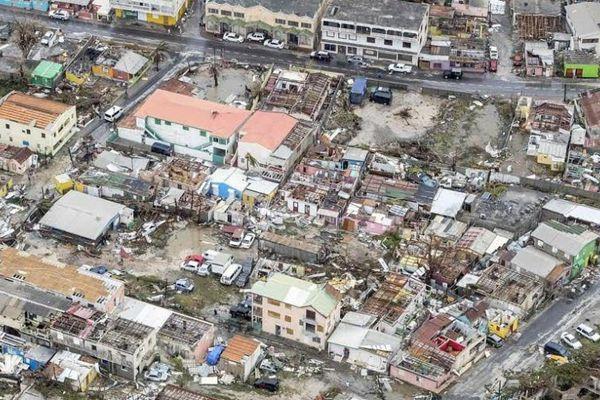 Une vue aérienne de Saint martin après le passage d'Irma, ce 7 septembre