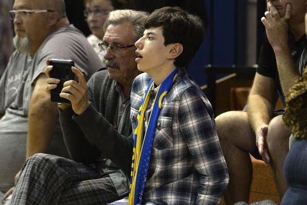 Charles, 14 ans et fan du stade de Reims, se fait raconter tous les matchs par son grand-père