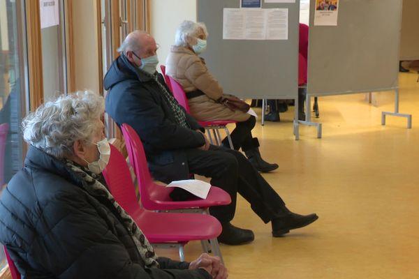 Faute de vaccins, le centre de vaccination de Maîche dans le Haut-Doubs doit annuler des centaines de rendez-vous de vaccination covid-19.