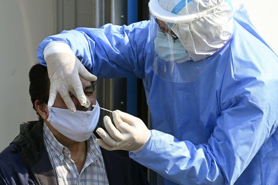 Clermont-Ferrand : une campagne de dépistage du coronavirus COVID 19 place de la Victoire