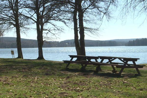 Le lac des Settons dans le Morvan