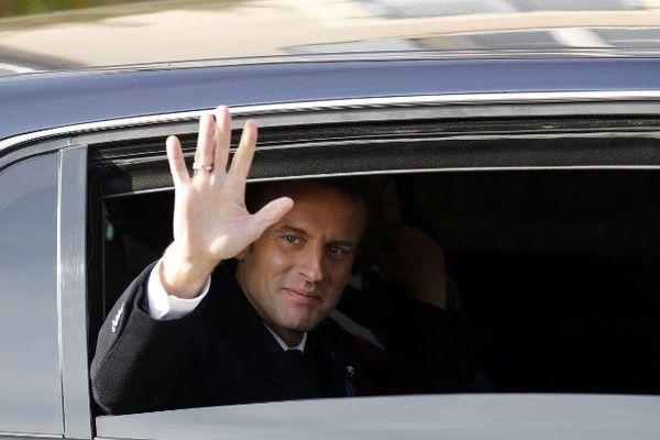"""Emmanuel Macron en visite à Besançon le 16 novembre 2018, à la veille des blocages des """"gilets jaunes"""" un peu partout en France."""