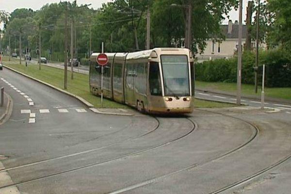 Le tram à Orléans.