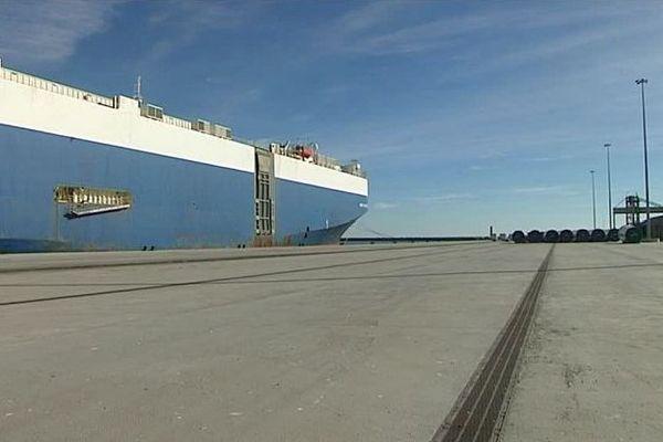 Sète (Hérault) - le nouveau quai H, long de 470 mètres - novembre 2016.