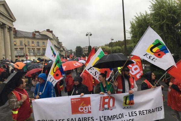 À Périgueux, les manifestants se sont rassemblés devant le Palais de justice.