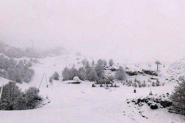 """Le """"Happy Place"""" de Gourette couvert de neige ce dimanche."""