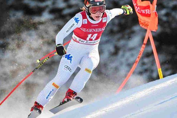 La slovène Ilka Stuhec dans l'épreuve de descente à Val Gardena