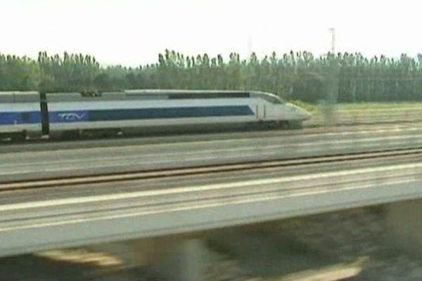 Le projet de ligne à grande vitesse entre Paris et l'Auvergne semble de plus en plus réalisable.