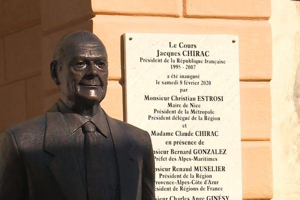 La rue de la Cité du Parc devenue le «Cours Jacques Chirac»