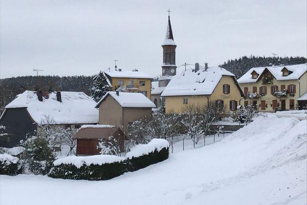 Aubure en blanc pour quelques jours encore : de nouvelles chutes de neige sont attendues pour le week-end du 23 et 24 janvier.