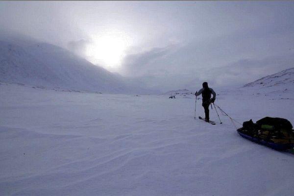 Trois Niçois, Vincent Lavrov, Flavient Hillot et Thomas Jary, ont réalisé un exploit : traverser le désert de glace de Sarek, au nord de la Suède, en totale autonomie. Ils ont rapportés de là-bas des souvenirs douloureux et l'éblouissement des paysages.