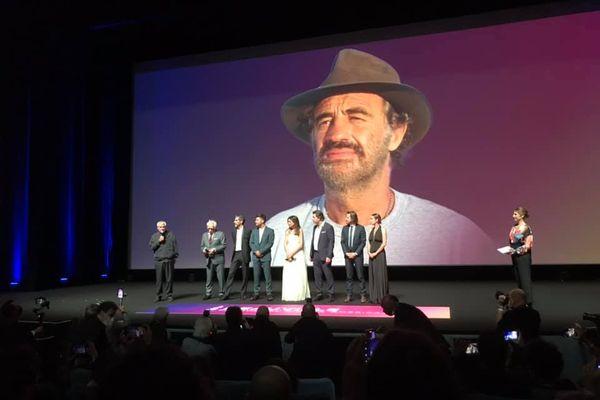 Le réalisateur Claude Lelouch, venu présenter son dernier film, a rendu hommage à Jean-Paul Belmondo ce jeudi soir au festival de Deauville