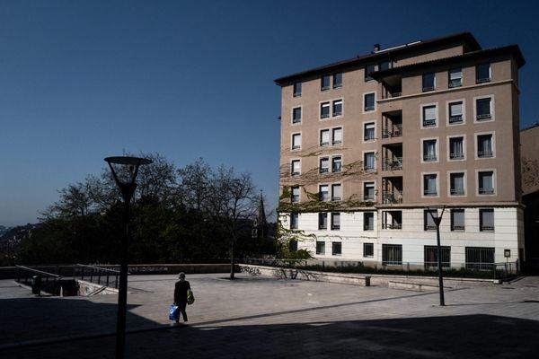 """Le gouvernement annonce de nouvelles """"mesures de freinage"""" dans le Rhône, autrement dit un nouveau confinement, pour lutter contre la flambée actuelle de l'épidémie."""