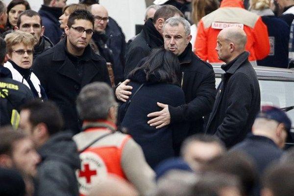 Un attentat commis au siège du journal satirique Charlie Hebdo a fait au moins douze morts mercredi 7 janvier 2015.