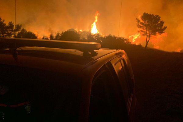 Cébazan (Hérault) - l'incendie a détruit 250 hectares de pinède, 10 personnes ont été évacuées à Creissan - 15 août 2019.