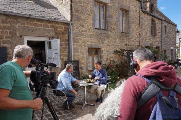 """Vincent et Pascal dans """"Vachement Normand !"""" à Barfleur"""
