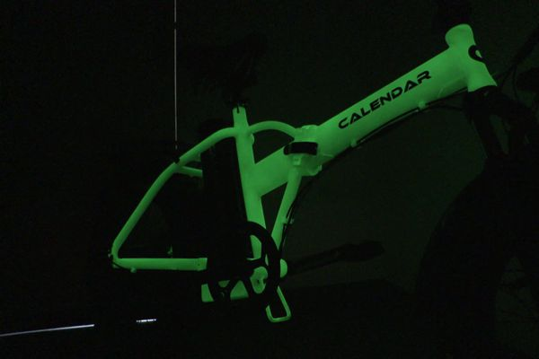 Calendar, le vélo au cadre photoluminescent