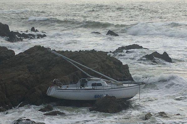 Bateau échoué sur la côte sauvage, le 24 décembre 2019