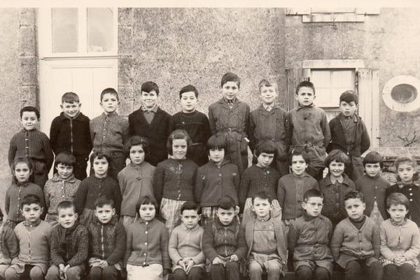 Une classe de l'école maternelle de Sarzay en 1960