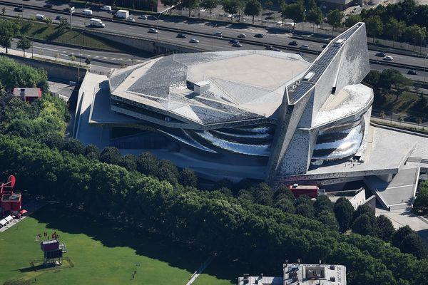 L'architecte Jean Nouvel accuse la Philarmonie de Paris de lui réclamer des sommes indues.