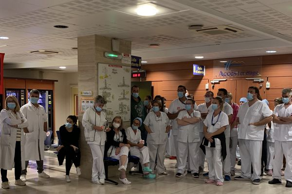 Sète : Déficit de 12 millions d'euros, fermeture de lits, le personnel des hôpitaux du bassin de Thau manifeste ce jeudi - archives.