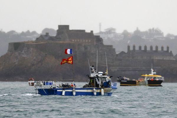 Manifestation ce jeudi 6 mai des pêcheurs français devant l'île de Jersey